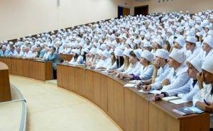 В Краснодаре более 700 студентов мединститута могут не получить образование