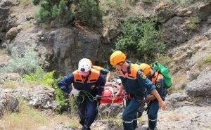 Турист, спускавшийся с тропы у сухогруза Rio, сорвался со скалы, пролетев 40 метров