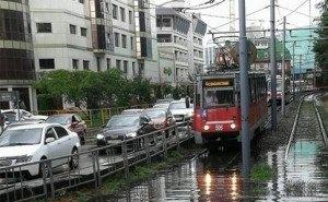 Дождь в Краснодаре остановил движение трамваев