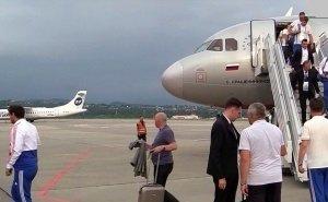 Сборная России по футболу прилетела в Сочи готовиться к отбору на ЧЕ-2020