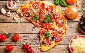 Почему доставка пиццы из семейного кафе «Сушитория» пользуется популярностью?