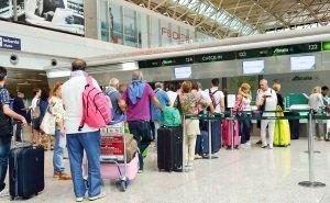 В аэропортах Сочи и Краснодара прибывших проверяют на наличие коронавируса