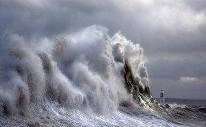 Кубанцев предупредили о мощном шторме «Петра»