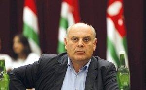 В Краснодар из Сочи санавиацией доставлен кандидат в Президенты Абхазии
