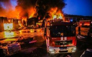 В Адлере сгорел рынок