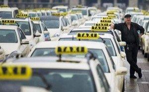 Спрос на услуги такси в Краснодаре упал почти на 50%