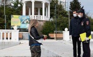 Оставшиеся в Сочи туристы уезжать не торопятся