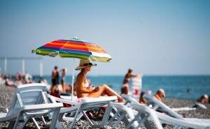 На пляжах в Сочи появятся металлоискатели и камеры хранения