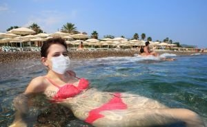 С пляжей Геленджика выгоняют туристов