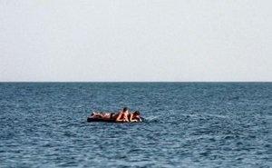 Унесённых в открытое море мужчину и ребёнка спасли благодаря авиации