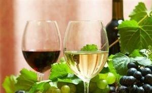 Для удовлетворения потребности в вине своего винограда Краснодарскому краю не хватает
