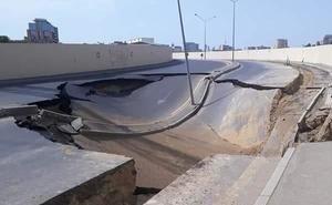 Оползень в Сочи утащил с собой грузовик и общественный туалет