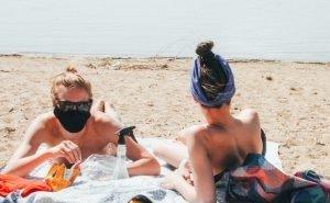 На Кубани не будут требовать от туристов носить маски на пляже