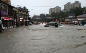 На Кубани весь день устраняли последствия сильного ливня
