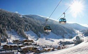 Красная Поляна открывает продажу зимних ски-пассов